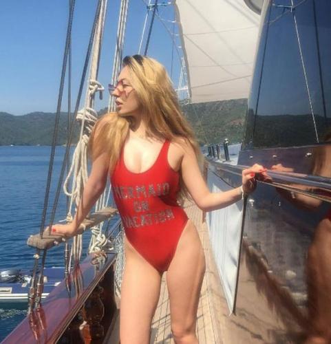 Yasmin Erbil yaz sezonunu açtı