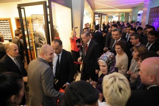 Bisse'nin 35. mağazasını Başbakan açtı