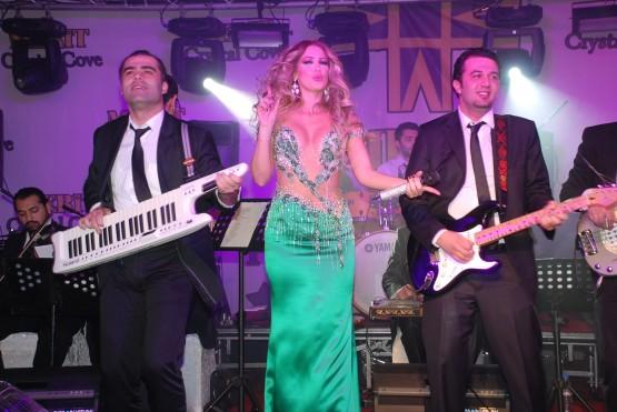 Petek Dinçöz Kıbrısta sahne aldı