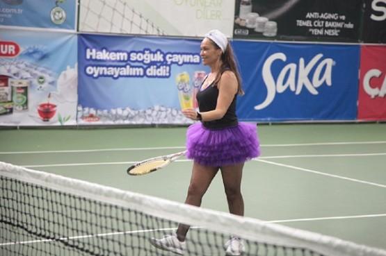 Ferhat Göçer: Hülya'ya bakmaktan topa vuramadım!
