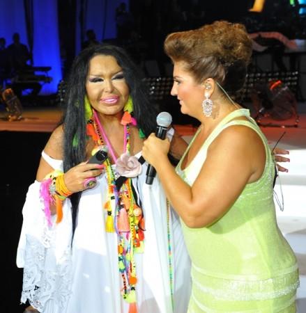 Sibel Can Açıkhava'da müzik ziyafeti çekti