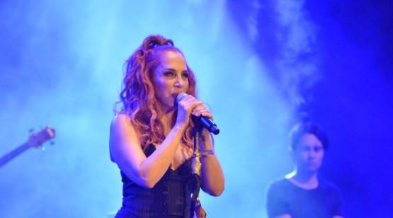 Sertab Erener'den Çeşme'de muhteşem konser
