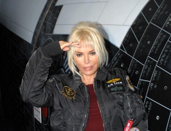 Ajda Pekkan Nasa Uzay Sergisi'ni gezdi