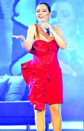 Ebru Gündeş Batum'da konser verecek