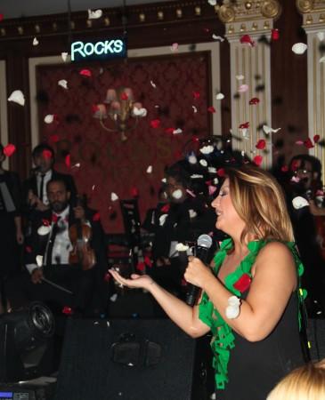 Sibel Can ve Mehmet Ali Erbil Kıbrıs'ta sahne aldı