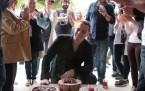 Kerem Bürsin'e sürpriz doğum günü kutlaması