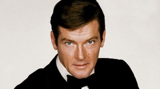 Roger Moore öldü