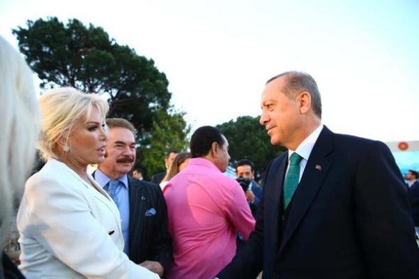 Cumhurbaşkanı Erdoğan'ın iftar yemeğine sanat dünyasından büyük ilgi