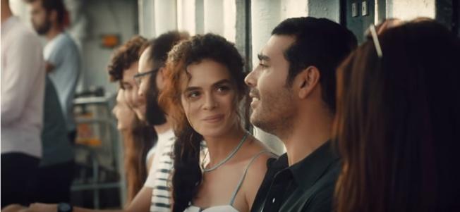 """Özge Özpirinçci ve Caner Cindoruk'un başrolleri paylaştığı """"Kadın"""" adlı dizi Fox TV'de başlıyor"""