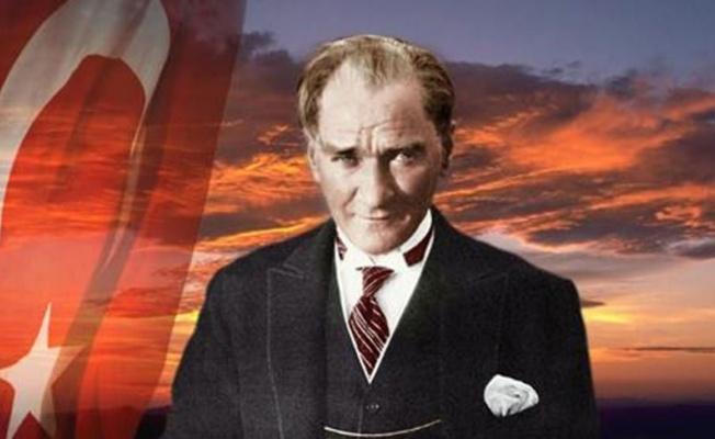"""""""Atatürk: Bir İnsandan Fazlası"""" sergisi, FMV Galeri Işık'ta"""