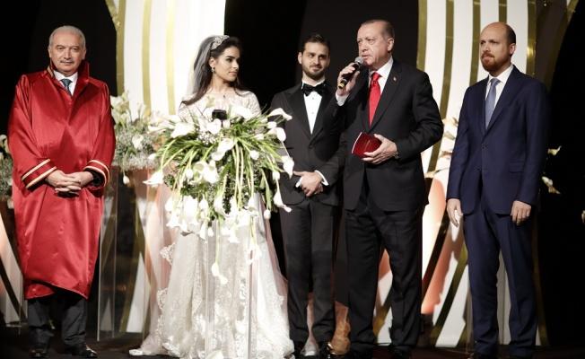 Cumhurbaşkanı Erdoğan ve oğlu Bilal Erdoğan nikah töreninde birlikte şahitlik yaptılar
