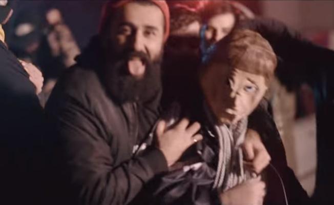 Almanya Şansölyesi Angela Merkel rap şarkıya konu oldu!