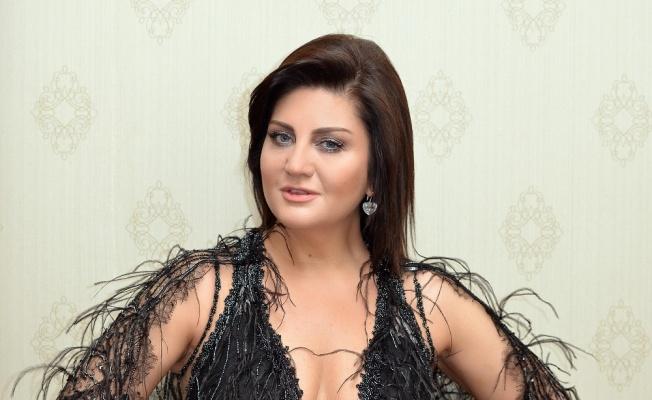 Sibel Can yeni albüm öncesi Kıbrıs'ta konser verdi