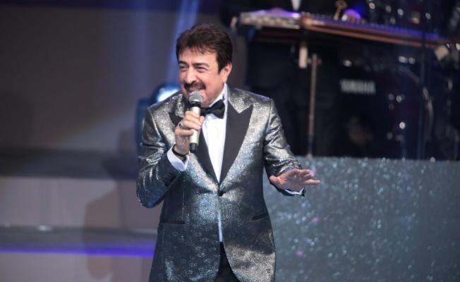 Ahmet Selçuk İlkan'a 41. Sanat Yılında görkemli gece