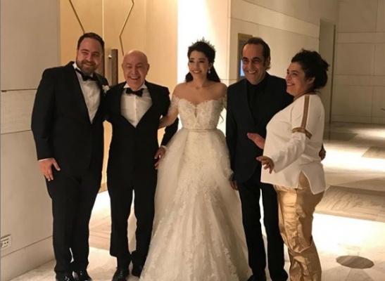 Mazhar Alanson oğlunu evlendirdi.