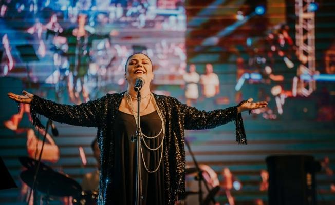 İzel Kapadokya'da Konser Verdi