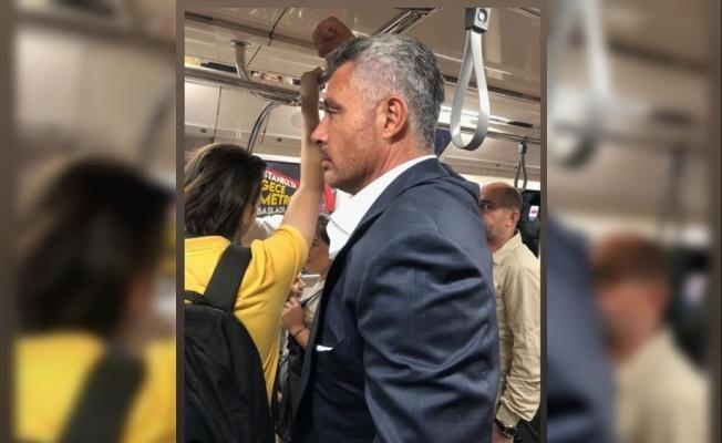 Sadettin Saran metroda yolculuk yaparken görüntülendi