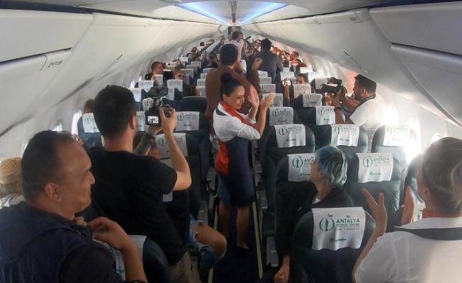 Corendon Airlines Altın Portakal Misafirlerini Sürprizlerle Ağırladı