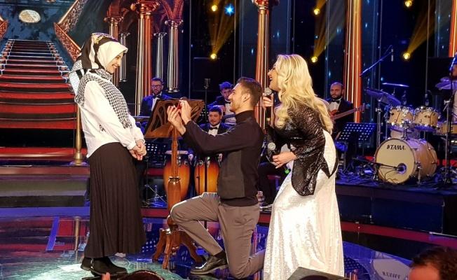 Muazzez Ersoy'n programında evlenme teklifi etti