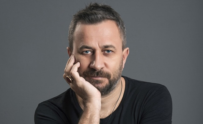 """Mutlu Arı'dan Yeni EP: """"Adı Aşk Olsun"""""""