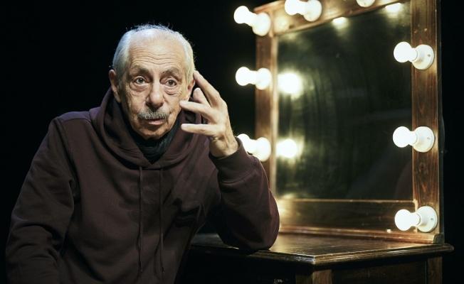 """Genco Erkal: """"Deliyi oynarken kendimi tedavi ediyorum"""""""