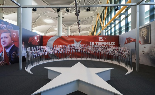 '15 Temmuz' fotoğraf sergisi İstanbul Havalimanı'nda sergileniyor