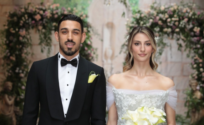 Fenerbahçeli futbolcu İrfan Can Kahveci ile Gözde Doyran evlendi