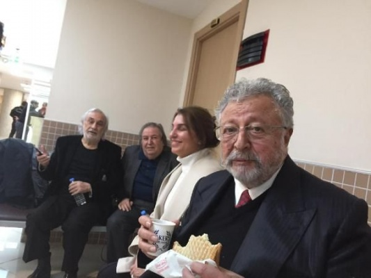 Metin Akpınar ve Müjdat Gezen Cumhurbaşkanına hakaret davasından beraat ettiler