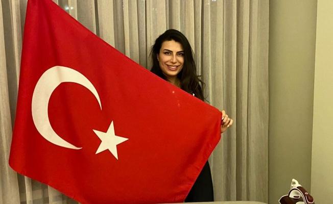 Türk güzeli Duygu Çakmak Beyrut'ta kampta!