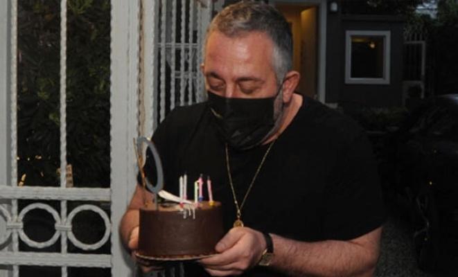 Magazin Muhabirlerinden Cem Yılmaz'a doğum günü sürprizi!