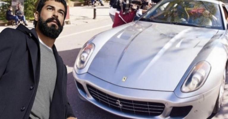 Burak Özçivit eski arabasını verip 2 milyon 200 bin TL'ye Ferrari aldı