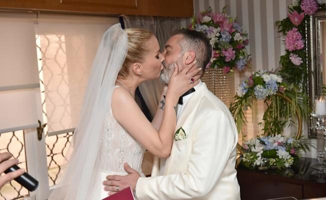 Tuğba Özerk ve iş insanı Gökmen Tanaçar evlendi