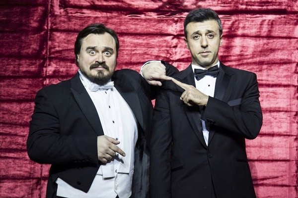 'Two Turkish Tenors' Trump Sahne'de