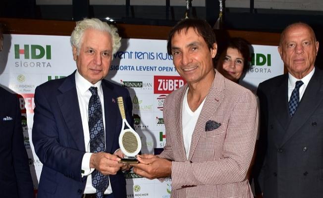 Behzat Gerçeker Teniste Çift Dalda Şampiyon