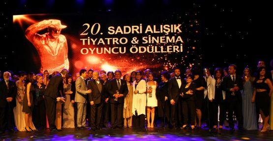 20. Sadri Alışık Ödülleri Sahiplerini Buldu