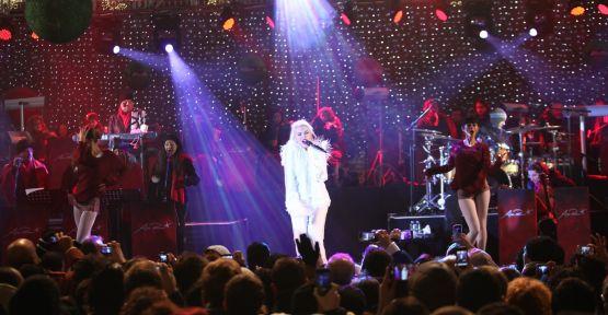 Ajda Pekkan'dan muhteşem Yılbaşı konseri