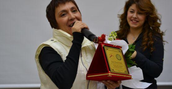 Asuman Dabak''a iki ödül birden