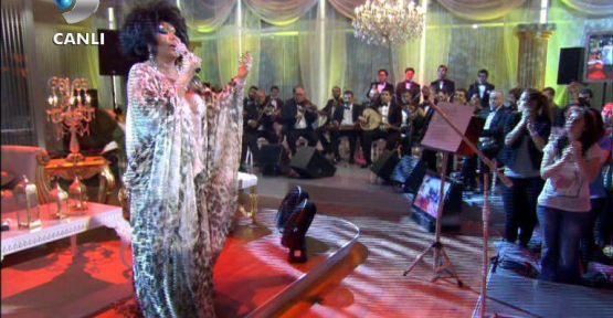 Bülent Ersoy, Beyaz Show'u Salladı