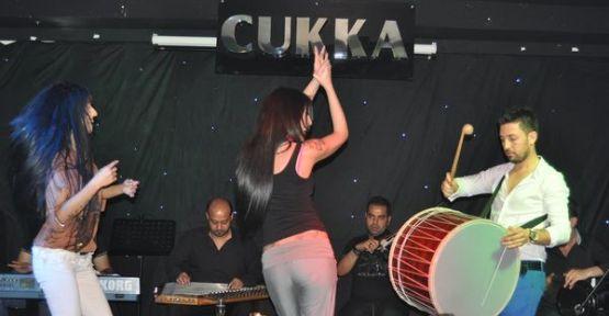 Burak Kibar albümünü tanıttı, Nadide Sultan oynattı