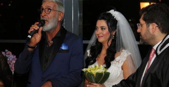 Cem Özer senarist Pınar Dura ile evlendi