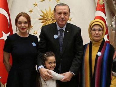 Cumhurbaşkanı Recep Tayyip Erdoğan, ABD'li ünlü oyuncu Lindsay Lohan'ı kabul etti.