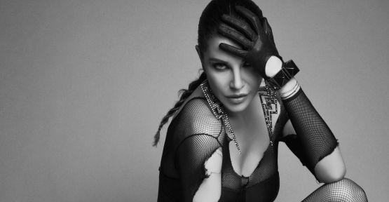 Deniz Akkaya: 'Moda beni değil, ben onu yönlendiririm!'