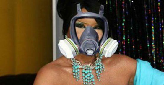 Diva'ya gaz maskesi !