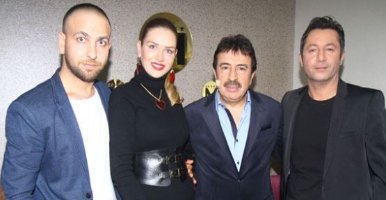Doğa Bekleriz sevgilisi Cem Gülaç ile birlikte Ahmet Selçuk İlkan'ın klibinde oynadı