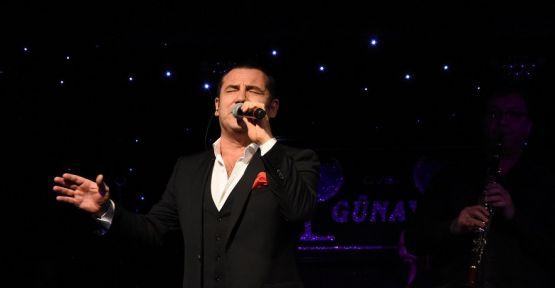 Ferhat Göçer Günay'da muhteşem bir konser verdi