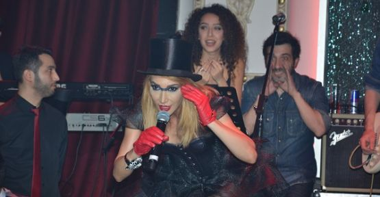 Hande Yener Sahne İstanbul'da kurtlarını döktü!