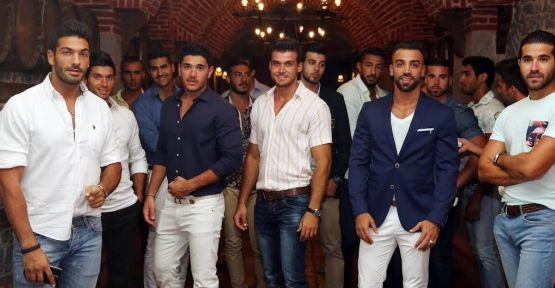 Hayko Kıbrıs'ta 'Bay Lübnan Yarışması' için bulunan erkek modellere keyifli bir gece yaşattı
