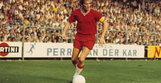 Hollandalı efsane futbolcu Piet Keizer vefat etti