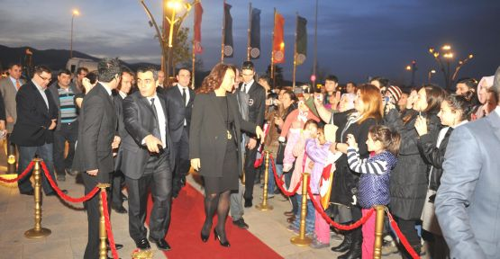 'Hükümet Kadın' İzmir'de!