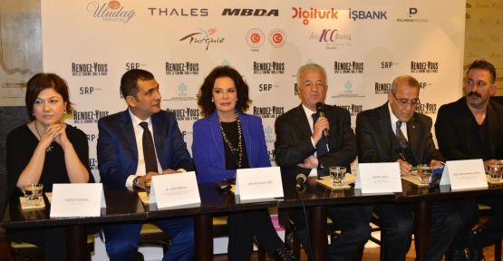 Hülya Koçyiğit ve Cem Yılmaz Türk Sineması'nın 100. Yılı'nda Paris'te bir araya geldiler!